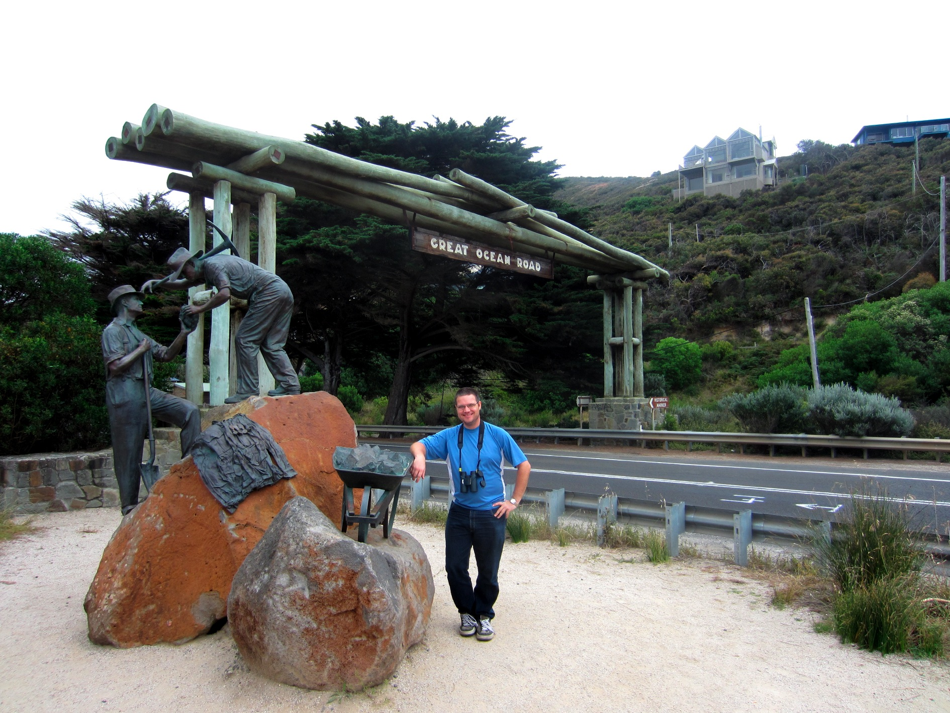 At the Eastern Arch of the Great Ocean Road, 2 Dec 2011